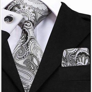 Other - Paisley tie set
